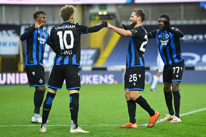 BRUGGE, BELGIUM - DECEMBER 26 : No contact after scoring for Noa Lang forward of Club Brugge due to COVID  during the Jupiler Pro League match between Club Brugge and KAS Eupen at the Jan Breydel stadium on December 26, 2020 in Brugge, Belgium, 26/12/2020 ( Photo by Nico Vereecken / Photo News