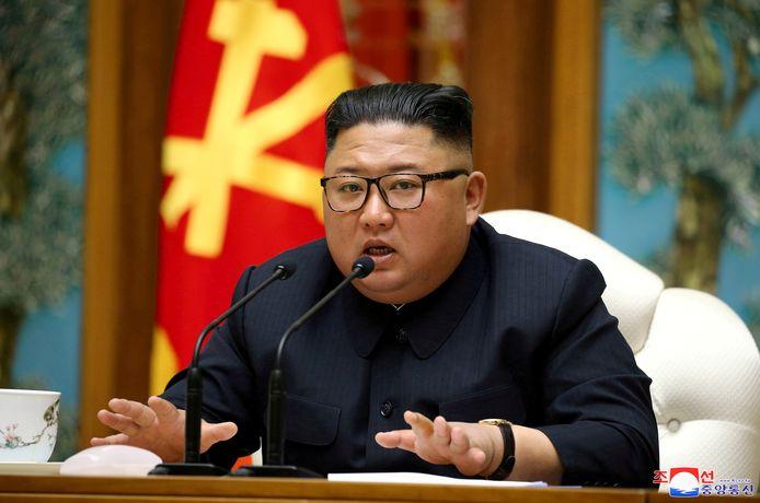 De Noord-Koreaanse leider Kim Jong-un tijdens een vergadering van het Politiek Bureau van het Centraal Comité van de Arbeiderspartij van Korea (WPK), op 11 april.