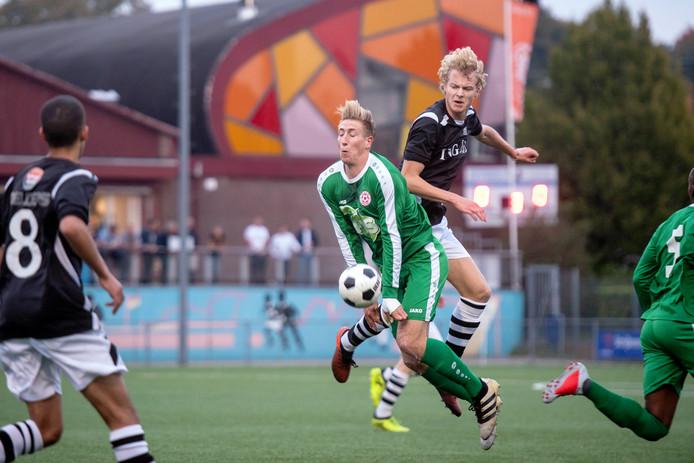 SML begon vorig seizoen tegen MASV met een stadsderby op zaterdagavond.