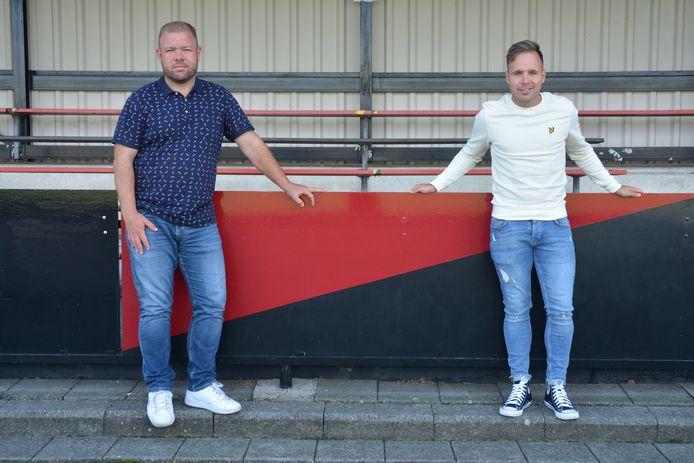 Barry van der Hooft en Juriën Dam (rechts) spraken elkaar op het sportcomplex van VV Terneuzen.