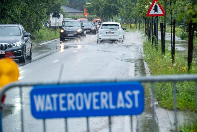 PUTTE Wateroverlast in de Tinstraat