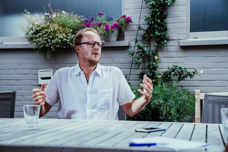 Patrick Loobuyck: 'Als ik anderen niet schaad, heeft de overheid geen reden om mijn vrijheid te beperken.' Beeld © Stefaan Temmerman