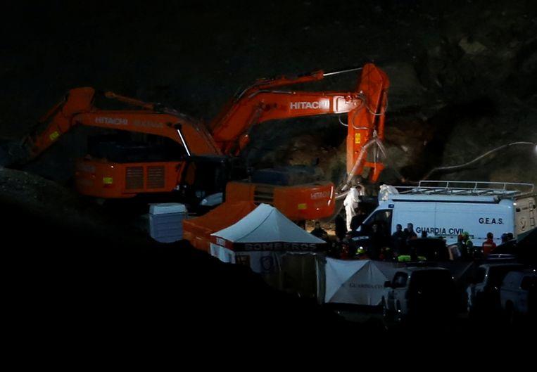 Reddingswerkers kort na de vondst van het lichaam van Julen. Beeld