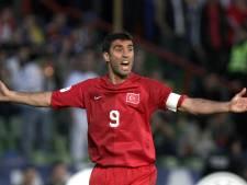 Turkse voetbalheld Hakan Sükür vluchtte zijn land uit: 'Als ik terugkom, beland ik in de gevangenis'