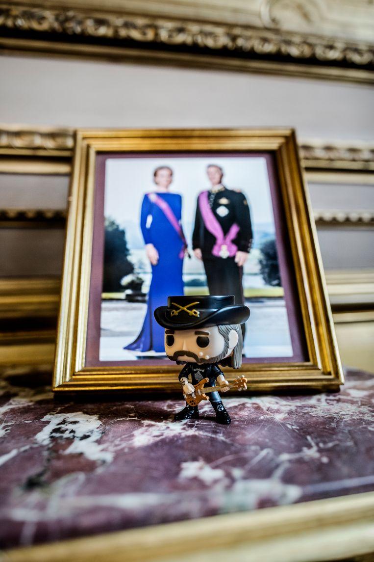 De Koninklijke familie en Motörhead verenigd in het Brusselse stadhuis. Beeld Franky Verdickt