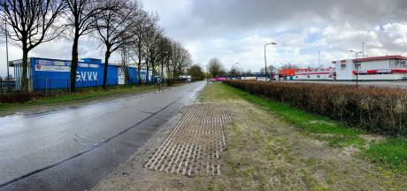 Spelersbussen op uitpuilend Panhuis kunnen niet parkeren bij kindcentrum, Veenendaal zoekt verder naar oplossing