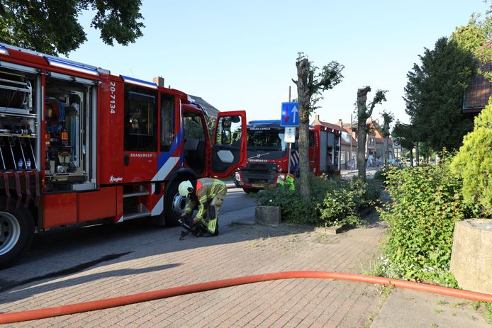 Brand in loods in Sprang-Capelle