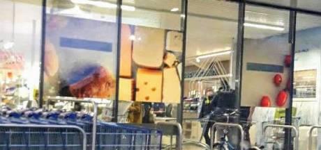 Politie vat verdachte (17) van reeks overvallen: gebruikte wapen en kledij gevonden bij huiszoeking
