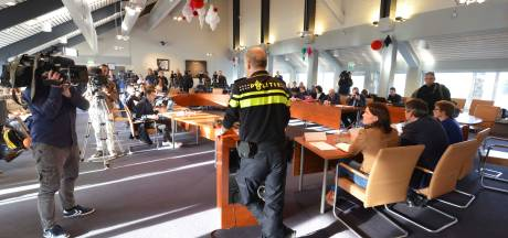 Gemeenteraad gaat jaar op tournee want belaagde raadszaal Geldermalsen wordt nu helemaal gesloopt