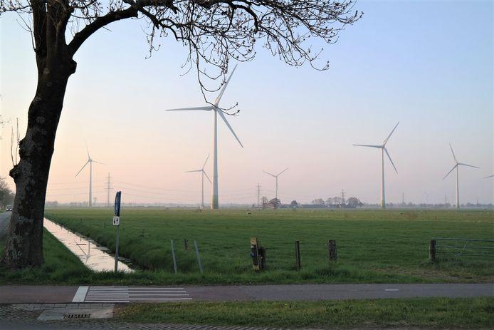 'Veur de Wind' is het project van Nieuwleusen Synergie dat bestaat uit de bouw van twee windturbines, dichtbij de bestaande windparken in Nieuwleusen-West en Tolhuislanden.