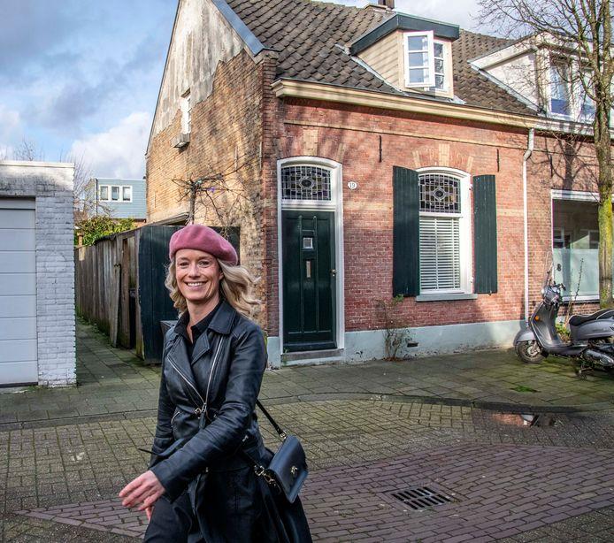 Prima inkomen, appartement met gigantische overwaarde verkocht: toch kon Kim Meulenbroeks amper aan een woning komen. In april betrekt ze haar hoekwoning.