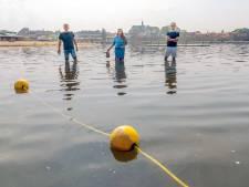 Harderwijk heeft al jaren stadsstrand, maar zwemmen kun je er niet: 'Waarom kan het in Zeewolde wél?'