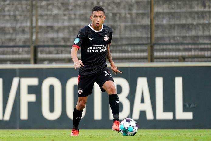 Mauro Jaqueson Júnior Ferreira dos Santos, oftewel Mauro Júnior, timmert aan de weg bij PSV.