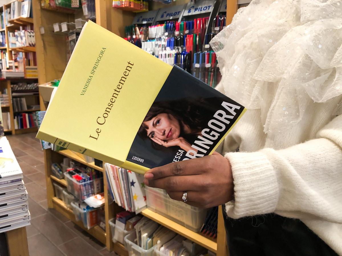 """Illustration du livre autobiographique de Vanessa Springora """"Le Consentement"""""""