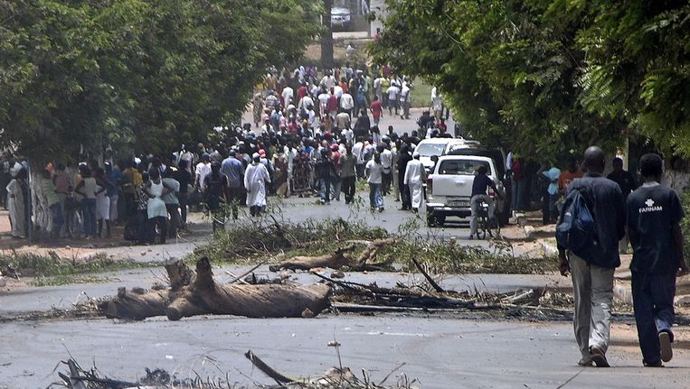 Chaos in Bissau na de coup. Beeld epa