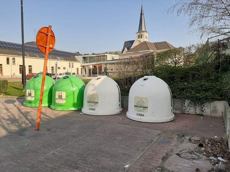 De kledingcontainers in Huldenberg worden tijdelijk verwijderd.