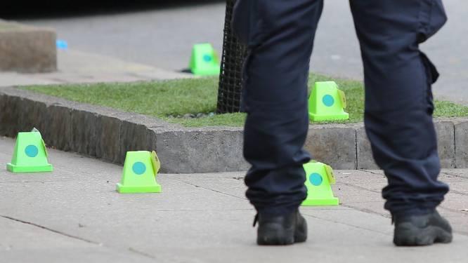 Een dode en drie gewonden nadat man honderd kogels lost in Toronto