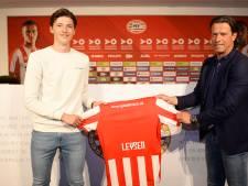 Spits Joël Piroe sluit weer aan bij Jong PSV, basisdebuut verdediger Fedde Leysen