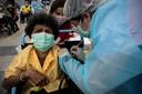 In de Thaise hoofdstad Bangkok worden ouderen deze maand gevaccineerd met AstraZeneca.