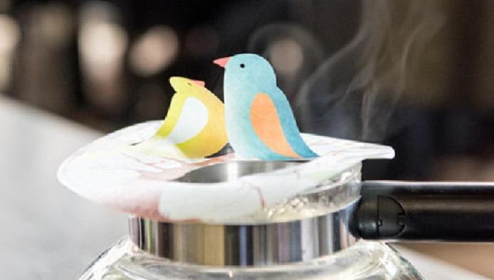Door stoom komen de vogeltjes van de Steamwaver in beweging.