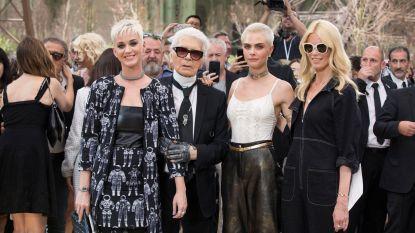 Beroemde vrienden eren Karl Lagerfeld met nieuwe collectie