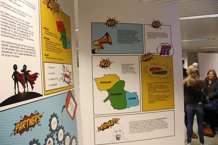 Detailbeelden van de expo 'Helden en schurken' in de bib van Izegem.