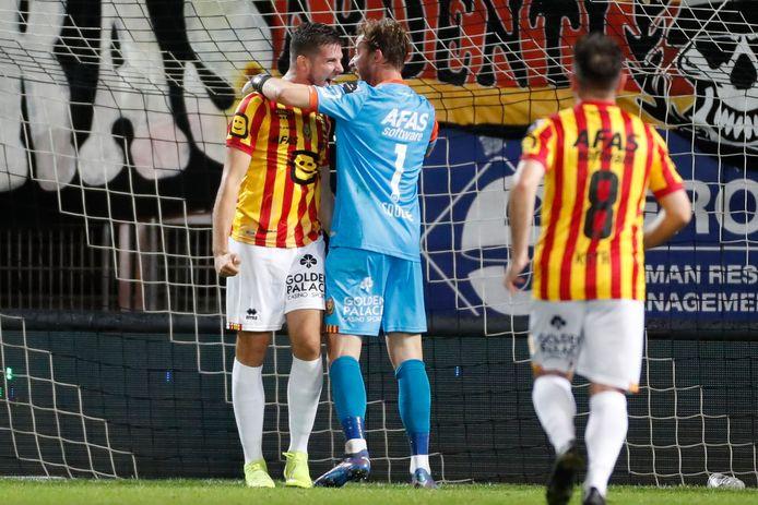 Coucke en Vanlerberghe bij de Mechelse uitblinkers in het Stade du Pays van Charleroi.