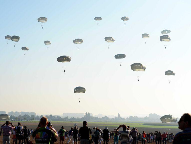 Paratroepers van de VS tijdens een herdenking in Nederland.  Beeld EPA