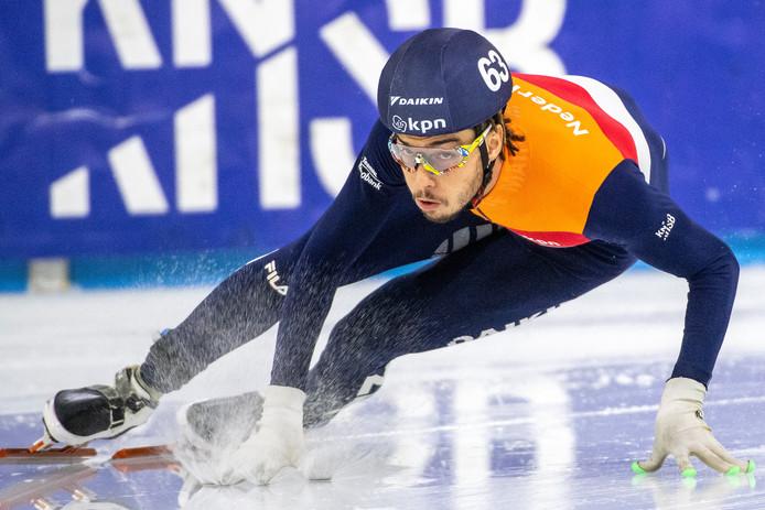 Dylan Hoogerwerf, zoon van een Surinaamse moeder en een Nederlandse vader, is explosief op het ijs, maar heel rustig erbuiten.