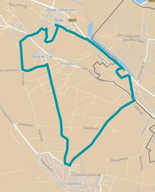 De lus van 16 kilometer rondom Berg en Dal, het rondje maakt onderdeel uit van de tweede etappe van de Holland Ladies Tour.