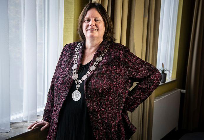 Daphne Bergman, burgemeester van Beuningen.
