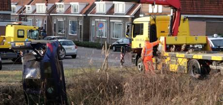 Bestuurder met slok op belandt ondersteboven in de sloot in Waalwijk