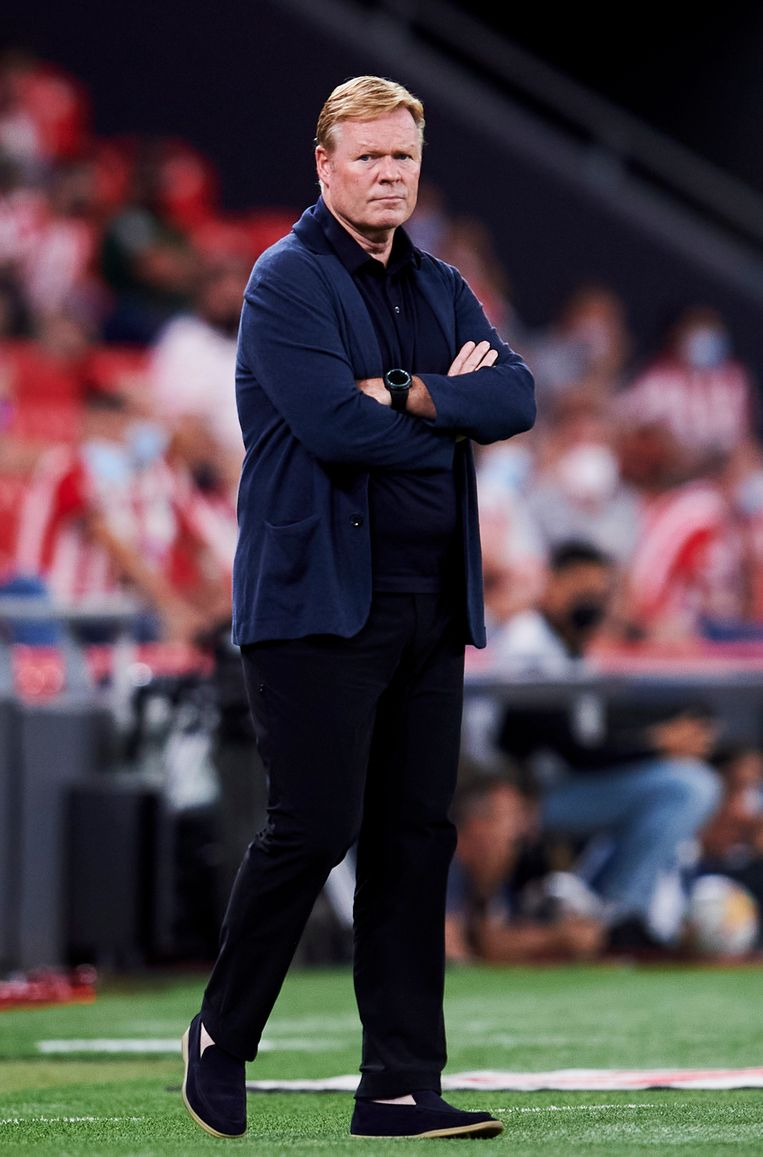 Coach Ronald Koeman is de laatste standvastige zuil te midden van de financiële puinhoop waartoe FC Barcelona verworden is. Beeld Getty