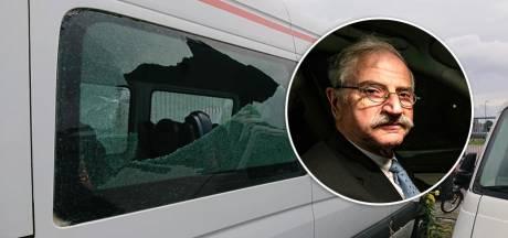 'De Neuze' vervoerde eindelijk weer jongeren door Salland, maar nu zijn bijna al zijn taxi's vernield