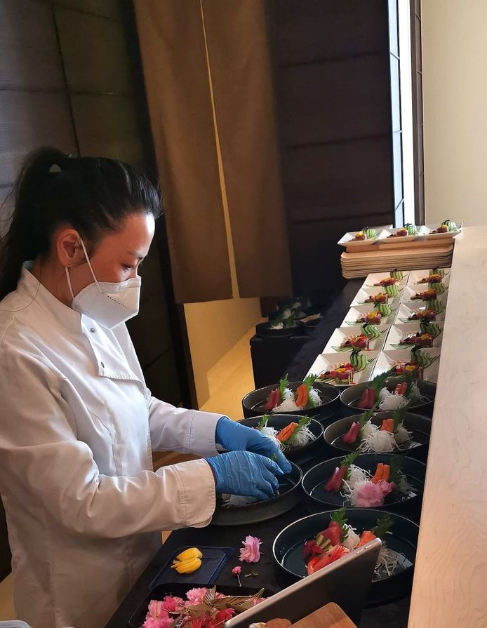 Jean Zhou maakt Japanse maaltijden