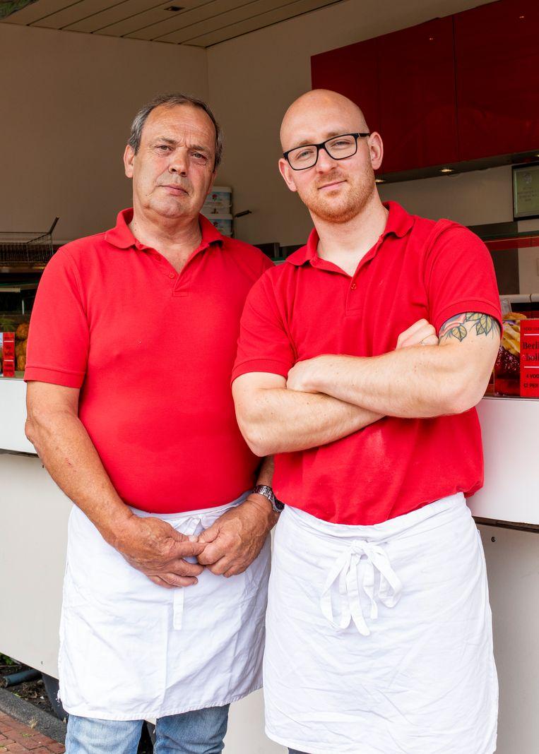 Eigenaar Marius Lubbers (66) en Wesley Vermorken (30). Beeld Lin Woldendorp