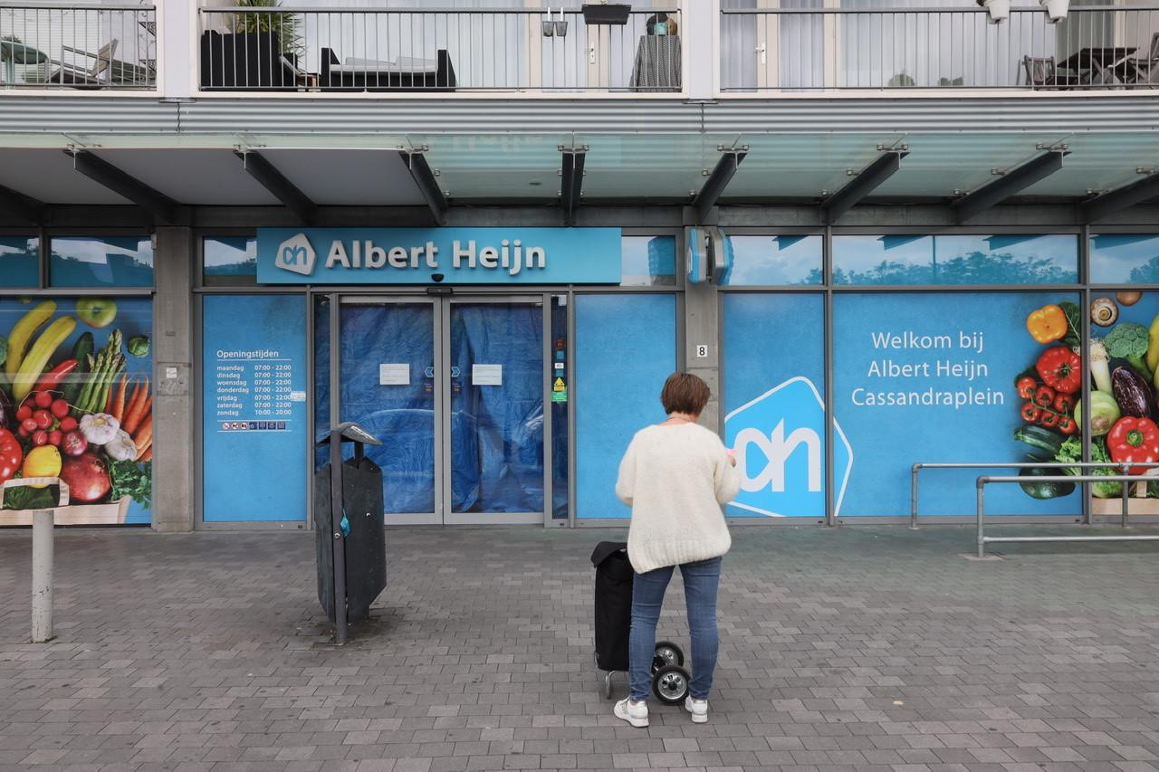 Het filiaal van de Albert Heijn aan het Cassandraplein in Eindhoven is dicht vanwege een muizenplaag.