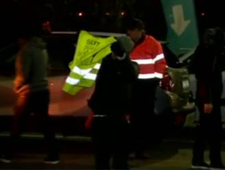 Eerste verjaardag 'gele hesjes': 50 actievoerders blokkeren even wegen aan oliedepot Feluy