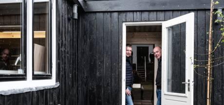 Rudi bouwde een garage, compleet met sauna: 'Nu genieten van het resultaat'