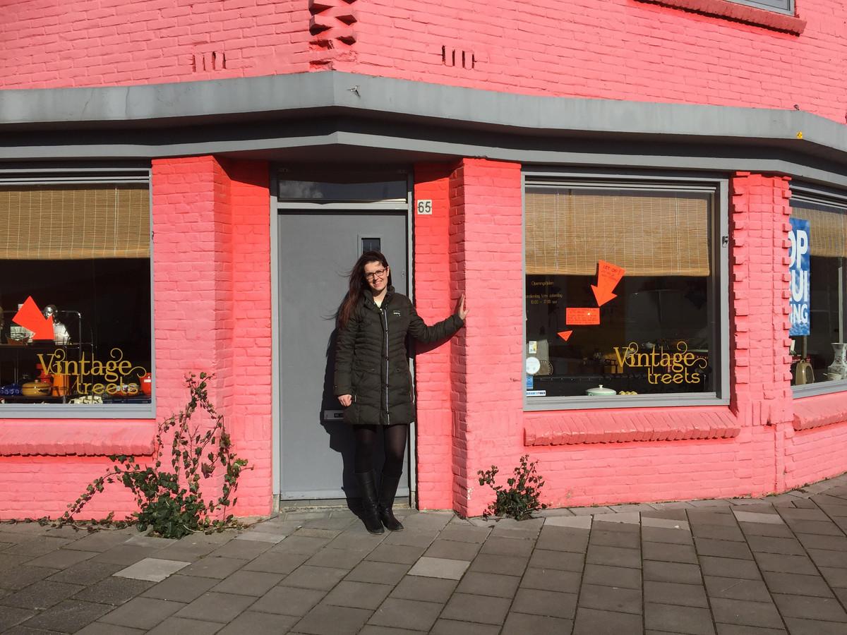 Anja Wasser van Werktuin040 voor het nieuwe pand aan de Edisonstraat in Eindhoven