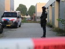 Cocaïnewasserij ontdekt op industrieterrein in Lelystad: zwaarbewapende agenten bewaken loods