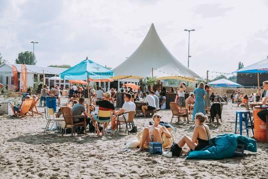 Stadsstrand Beachy op het Smariusterrein in Tilburg.