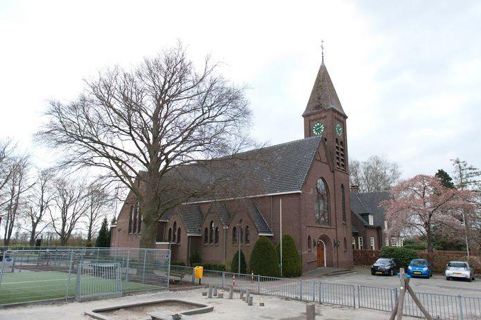 De Antoniuskerk in De Vecht staat weer te koop.