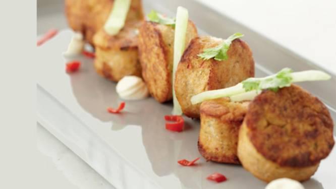 Viskoekjes met chili, koriander en zure room maken