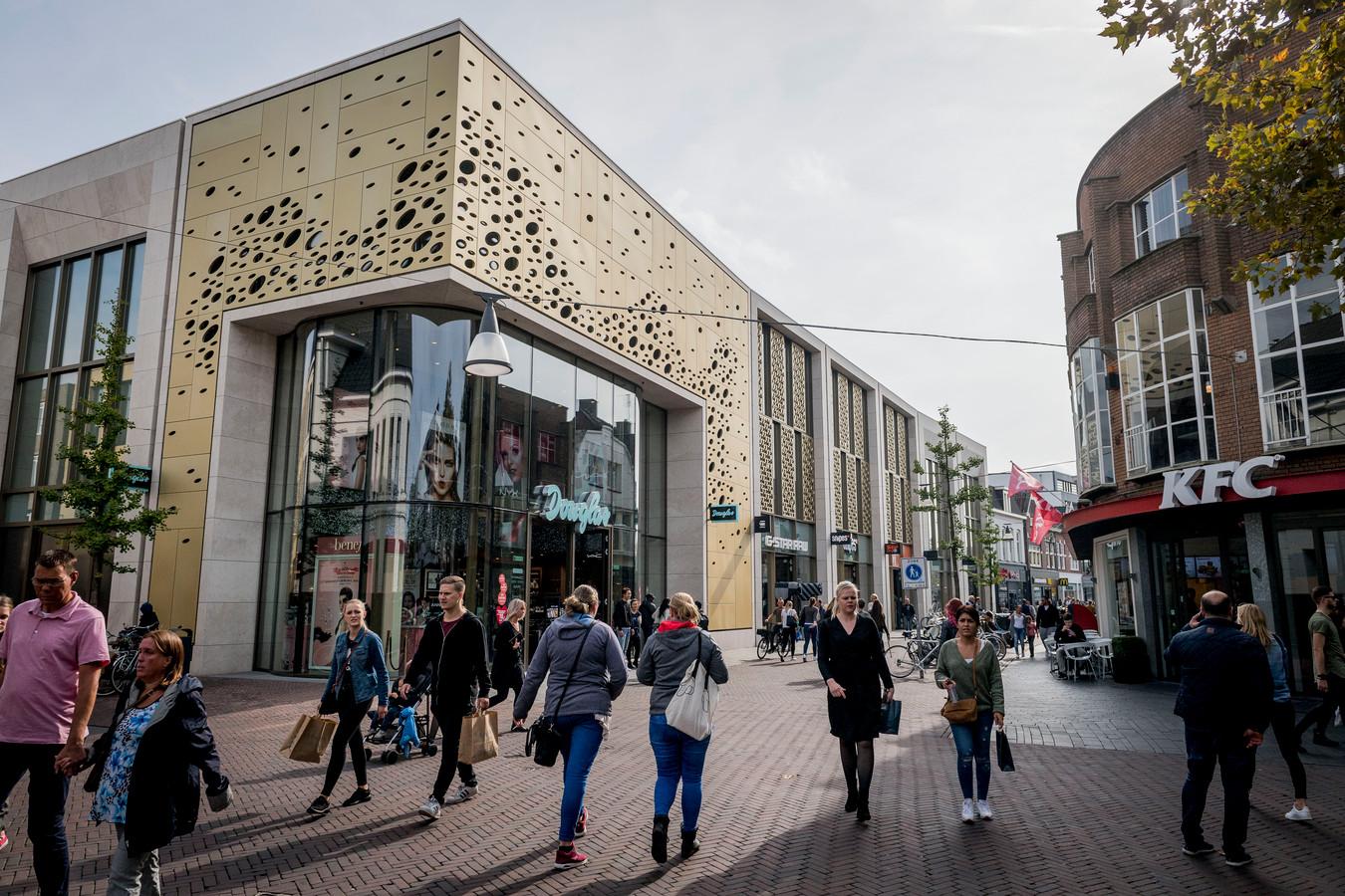 Overzicht kruispunt de Heurne/Kalanderstraat in het centrum van Enschede.