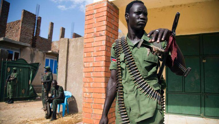 Een soldaat van Sudan Peoples Liberation Army in Opposition (SPLA-IO) in Juba.