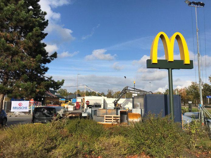 De McDonald's in Oldenzaal was weken dicht vanwege een verbouwing