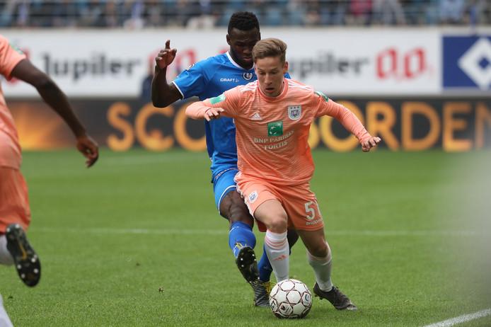 Yari Verschaeren fait partie des joueurs que le Sporting d'Anderlecht veut absolument conserver dans son noyau pour la saison prochaine.