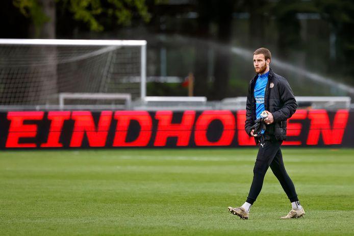 Kyan van Dorp neemt met opgeheven hoofd afscheid van PSV, na dertien jaar.