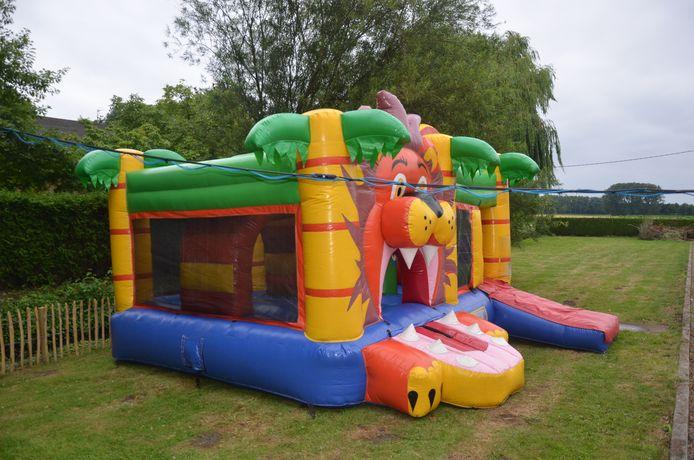 Voor de kinderen is er onder meer een springkasteel voorzien.